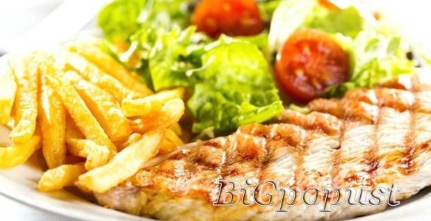 dve, porcije, mediteranske, piletine, i, dva, vocna, kupa, u, restoranu, nebo, i, zemlja, za, 1840, rsd