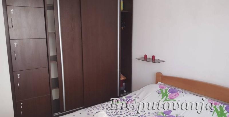 ZLATIBOR - Apartmani Monix Svetogorska vec od 3900 rsd dnevno po apartmanu (4-6 osoba) u strogom centru sa mogucnoscu doplate za polupansion 4