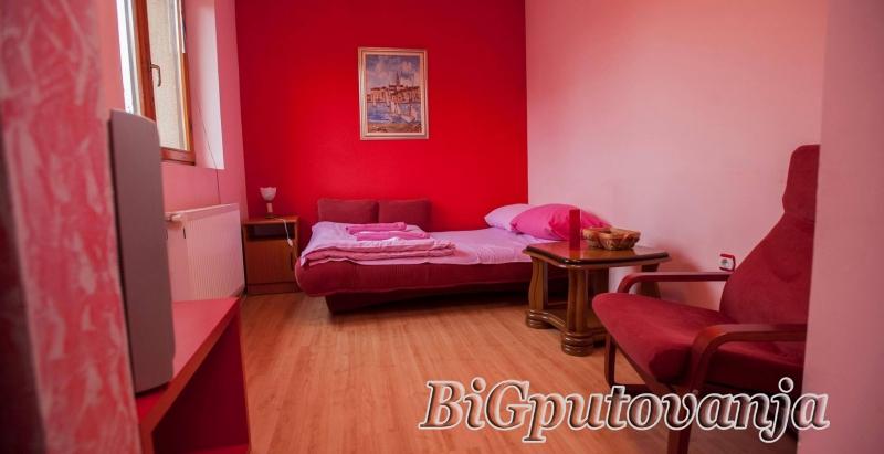 Vaucer od 300 rsd za extra popust: najam novih apartmana u vili Jana na ZLATIBORU (doplata 2667 rsd - 4 osobe) 3