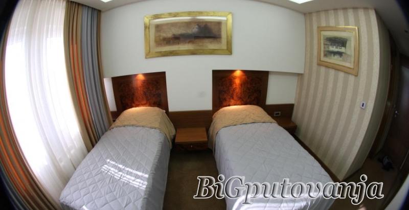 Posetite Sarajevo i očaravajući hotel Exclusive - kupovinom vaučera od 1000 rsd ostvarujete popust za 2 osobe i 2 noćenja sa doručkom  3
